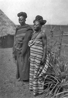 "Africa | ""Types de femmes Ding-Ding"". Tibati, Adamaoua, Cameroon. Dec 1917 | ©Frédéric Gadmer Black Child, Black Kids, African Tribes, African Women, Fulani People, Forest People, Africa People, African Union, African Royalty"