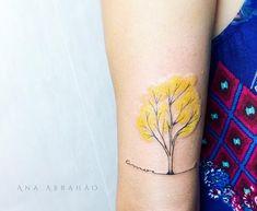 #abrahaoana  A M A R Í L I O.  O Ipê. As vezes o amor é amarelinho! Feita com carinho no Brasília Tattoo Festival!