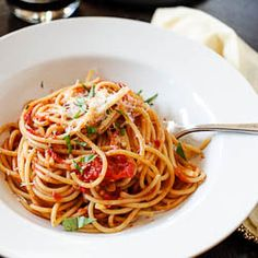 Spaghetti with Fresh Tomato Basil Sauce :: Using the summer's best tomatoes.