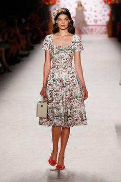 Lena Hoschek, Berlin Fashion Week, Frühjahr-/Sommermode 2016 - VOGUE