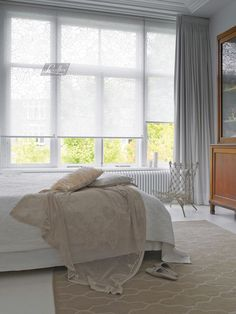 Rollos, Jalousien & Plissee Pleated blinds and blinds are available from Fenster-Schmidinger in Gram Home Curtains, Curtains With Blinds, Blinds For Windows, Window Curtains, Window Treatments Living Room, Living Room Windows, Living Spaces, Large Window Treatments, Home Bedroom