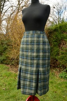 50s/60s blue and green boucle wool tartan pencil skirt size M