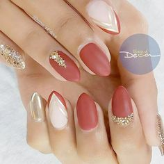 21 Hot Almond Shaped Nails Colors to Get You Inspired to Try ❤️ Gold and Silver Accents picture 3 ❤️ Do you have almond shaped nails? If not, you should try this nail shape right now. And then embellish it with one of these trendy colors https://naildesignsjournal.com/almond-shaped-nails-colors/ #nails #nailart #naildesign #almondnails