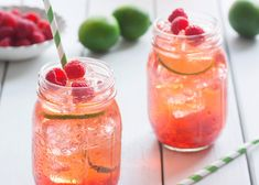 Infused Water Recipes 94187 Discover our 5 homemade iced tea recipes with fresh seasonal fruit. Infused Water Recipes, Fruit Infused Water, Fruit Water, Fresh Fruit, Fresh Mint, Homemade Iced Tea, Digestive Detox, Lemon Diet, Daily Vitamins