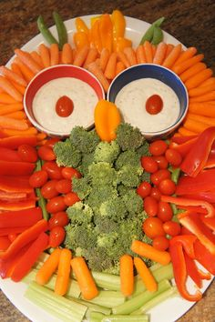 Owl Veggie Tray for Woodland Creatures Baby Shower | A Love Letter to Food | www.alovelettertofood.com