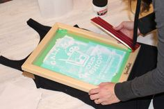 DIY Screen Printing :: Using your Silhouette — Middle River Studio Silhouette Cameo Shirt, Silhouette Cameo Tutorials, Silhouette Projects, Diy Wood Projects, Projects For Kids, Middle River, Cricket Crafts, Diy Screen Printing, Making Shirts