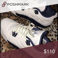 Size 6.5 9/10 good condition Jordan 4s 6.5 gradeschool Shoes Sneakers