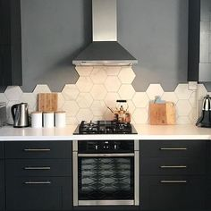 moja kuchnia Kitchen honeycomb tile backsplash The Importance of a Pest Inspection The excitement of Kitchen Interior, Home Interior Design, Kitchen Decor, Rustic Kitchen, Küchen Design, House Design, Honeycomb Tile, Kitchen Backsplash, Hexagon Tile Backsplash