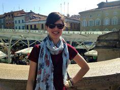"""Silvia """"Sto aspettando l'autobus per Hogwarts, intanto mi godo il sole di Parma!"""""""