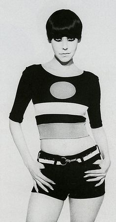 Model Peggy Moffitt in Rudy Gernreich cut-out bathing suit. Photo by husband William Claxton : Model Peggy Moffitt in Rudy Gernreich cut-out bathing suit. Photo by husband William Claxton 60s And 70s Fashion, 60 Fashion, Fashion History, Retro Fashion, Fashion Models, Vintage Fashion, American Fashion, Fashion Shoes, Fashion Design