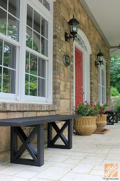 cute and simply DIY bench for the front porch/stoop.