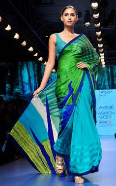 Gauri Khan adds oomph at LFW 2015 with debut creation for Satya Paul