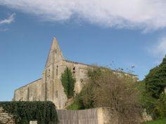 L'hôtellerie XIVème Abbaye St Pierre de Maillezais