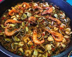 Avui fideuà al meu estil!   #fideua #fideus #peix #pescado #marisc #mariscos #noodles #seafood #seafoodnoodles #food #foodporn #foodie #yummy
