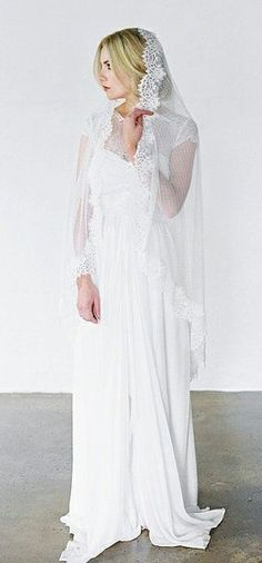 ESMA Spotted Mantilla Wedding Veil