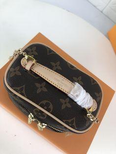 NICE VANITY MAKE UP | Theluxinbox Lv Tote, Beauty Essentials, Monogram Canvas, Cowhide Leather, Dust Bag, Vanity, Make Up, Chain, Nice