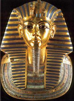 Máscara funeraria de  Tutankamón - Museo egipcio de El Cairo