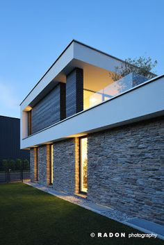 Detached house swimming pool flat roof stone facade panoramic window roof terrace f Facade Architecture, Residential Architecture, Sustainable Architecture, Contemporary Architecture, Design Exterior, Stone Facade, Flat Roof, Pool Houses, Modern House Design