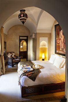 Moucharabi bed - love this Photos of Riad Dar Les Cigognes Home Interior Design, House Interior, Oriental Interior, Master Decor, Moroccan Design, Home, Interior Architecture Design, Room Interior Design, Hotel Inspiration
