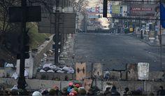 У Кијеву радикали отворили ватру на војнике - http://www.vaseljenska.com/vesti/u-kijevu-radikali-otvorili-vatru-na-vojnike/