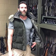 """Dan Bilzerian Girls Woman Girlfriend House Quotes Workout Hot Guns Lifestyle Models 👉 Get Your FREE Guide """"The Best Ways To Make Money Online"""" How To Get Rich, Way To Make Money, Dan Bilzerian Girls, Armed Security Guard, Katie Bell, Bizarre Stories, Instagram King, Almost Always, Stunts"""