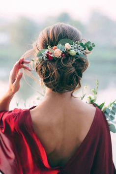 Wedding Hairstyles And Romantic Bridal Updos ❤︎ Wedding planning ideas & inspiration. Wedding dresses, decor, and lots more. Romantic Bridal Updos, Wedding Updo, Red Wedding, Autumn Wedding, Wedding Hair Combs, Wedding Flower Hair, Outdoor Wedding Hair, Elegant Wedding, Diy Bridal Hair