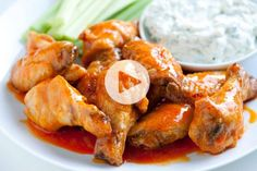 Who doesn't love the taste of spicy hot wings? For a crowd-pleasing appetizer or main course, try this recipe for Super Easy Hot Wings, one of the tastiest chicken wing recipes we've come across. Serve with a healthy dose of blue cheese dressing! Crispy Baked Chicken, Baked Chicken Recipes, Easy Baked Chicken Wings, Easy Chicken Wing Recipes, Fried Chicken, Wings In The Oven, Oven Hot Wings, Super Bowl Essen, Albondigas