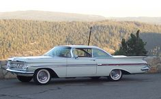 chevrolet impala 1959 - Just like the one my dad bought brand new in We used to play house in the trunk, it was so big! Chevrolet Impala 1959, Chevrolet Chevelle, Vintage Cars, Antique Cars, American Classic Cars, Us Cars, Cars Motorcycles, Cool Cars, 1950s