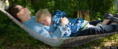 Always like article that suggest that napping is good for me :-) Power Naps may Boost Right Brain Activity #brain