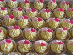 Mini Cupcakes, Sweets, Desserts, Cookies, Food, Wedding, Tailgate Desserts, Crack Crackers, Valentines Day Weddings