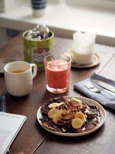 Banana pancakes // pic eevakolu.fi Sunnuntai, Banana Pancakes, Recipe Of The Day, Bon Appetit, Mornings, Healthy Snacks, Panna Cotta, Meals, Breakfast