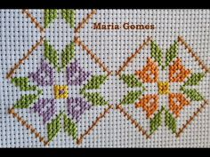 Cross Stitch Boarders, Cute Cross Stitch, Small Cross Stitch, Cross Stitch Art, Cross Stitch Patterns, Hand Embroidery Flowers, Embroidered Towels, Celtic Cross Stitch, Christmas Embroidery Patterns