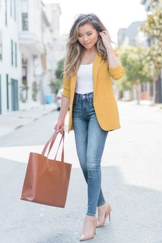 24 Best and Stylish Casual Women's Work Outfits in Spring - Work Outfits Women Spring Work Outfits, Casual Work Outfits, Mode Outfits, Work Casual, Outfit Work, Cute Professional Outfits, Casual Office, Young Professional, Chic Outfits