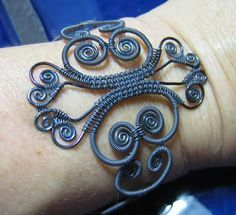 Lisa Niven Kelly: Victorian Scroll Bracelet