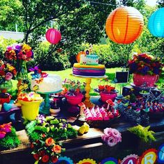 How vibrant and  colorful is this Summer Picnic party! Great way to spend time with families and friends! Check all 11 party photos by clicking our profile link! Credit: Cherry on Top  #cake #cupcakes #cakeart #cakedesign #desserttable #sugar #catchmyparty #follow #party #partyplanning #partyideas #partystyle #photooftheday #instalove #instagood #picnic #summer #summertime #summetparty by catchmyparty