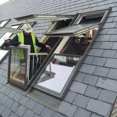 Skylight Window, Balcony Window, Roof Window, Balcony Bar, Balcony Ideas, House With Balcony, Small Outdoor Spaces, Sash Windows, Safety Glass
