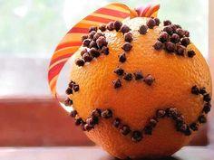 La pomme d'ambre : une #décoration de #Noël naturelle avec une #orange et des clous de #girofle