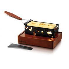 Choisissez la raclette avec bougie chauffe-plat si vous ne voulez pas sortir le gros appareil ! Super pratique, cet appareil à raclette Boska Taste Tapas reste l'appareil à raclette traditionnel !  http://www.raviday-fromage.com/ensemble-a-raclette-taste-tapas-boska/?5599666 #raclette #fromage #amis #racletterapide