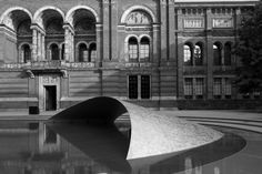 Zaha Hadid Installs Ultra-Thin Shell Structure at London's V&A