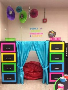 """21 Ways to Create the Perfect """"Safe Space"""" for Crying Preschoolers – Punk Rock Preschool Autism Classroom, New Classroom, Special Education Classroom, Classroom Setting, Classroom Setup, Classroom Design, Kindergarten Classroom, Classroom Reading Nook, Classroom Curtains"""