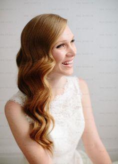 Düğün , nişan veya tören gibi merasimlerde mutlaka tercih etmeniz gereken bir saç modelidir. Wag saç modeli oldukça şık durmaktadır ama yapımı nasıl olacak diye merak ediyorsanız bu sa�