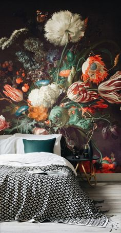This Dutch master style still life with flowers mural wallpaper accent wall creates instant drama in this modern bedroom. The scale of the floral pattern is what gives the mural a contemporary feel in this design - Unique Bedroom Ideas & Decor Deco Design, Design Design, Modern Design, New Wall, My New Room, Home Fashion, Trendy Fashion, Fashion Trends, Home Interior Design