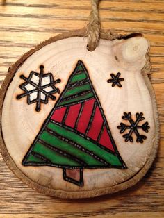 Essential things for inspirational diy rustic christmas decorations you love Painted Christmas Ornaments, Christmas Ornament Crafts, Wooden Ornaments, Noel Christmas, Rustic Christmas, Christmas Projects, Holiday Crafts, Christmas Decorations, Ornaments Image