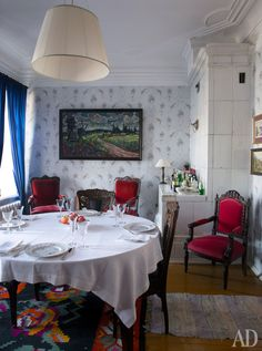 Столовая в отреставрированном доме Новожилова. Его построили в 1907 году в стиле модерн, а теперь тут останавливаются важные гости города.