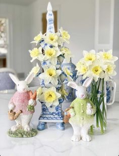 Enchanted Home, Easter Dinner, Spring, Tablescapes, Lamb, Blue And White, Table Scapes, Table Arrangements, Baby Sheep
