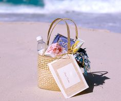 Whether your guests have traveled by train, plane or automobile, their attendance at your far-flung destination wedding sends you the message that they just couldn't miss your nuptials.  Now it's your turn to convey your gratitude by leaving a welcome package for them upon their arrival at their hotel.