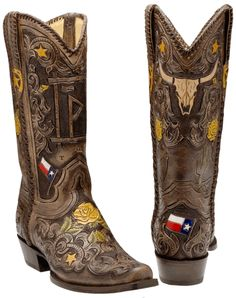 Corral Ladies Texas Flag With Longhorn Custom Boots - The Lone Star and Bevo, what more could you want on a pair of boots.