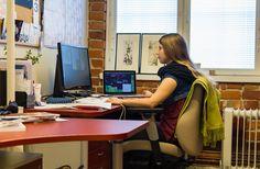 Veera Smidt päätyi vahingossa aktiiviyrittäjäksi Desk, Furniture, Home Decor, Desktop, Decoration Home, Room Decor, Home Furnishings, Office Desk, Offices