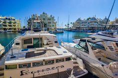Malaga City, Malaga Airport, London University, Benalmadena, Kitchen Views, First Apartment, Comfortable Sofa, Cadiz, Dining Table In Kitchen