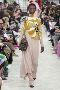 Valentino Fall 2018 Ready-to-Wear Collection - Vogue